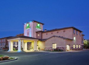 Holiday-inn-express-exterior-300x222